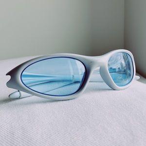 Vintage 1999 Oakley Minute 1.0 04-092 Sunglasses